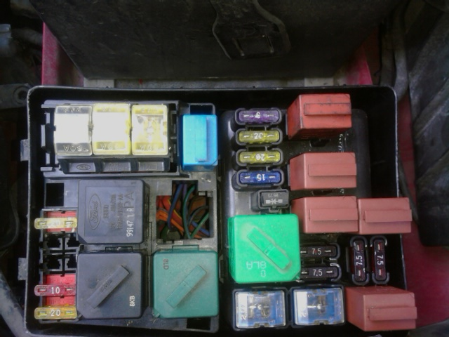 43375d1303738501 solid battery light 0830101634 solid battery light on 1999 mercury cougar fuse box at gsmx.co
