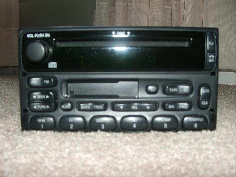 FS: 2002 cougar radio