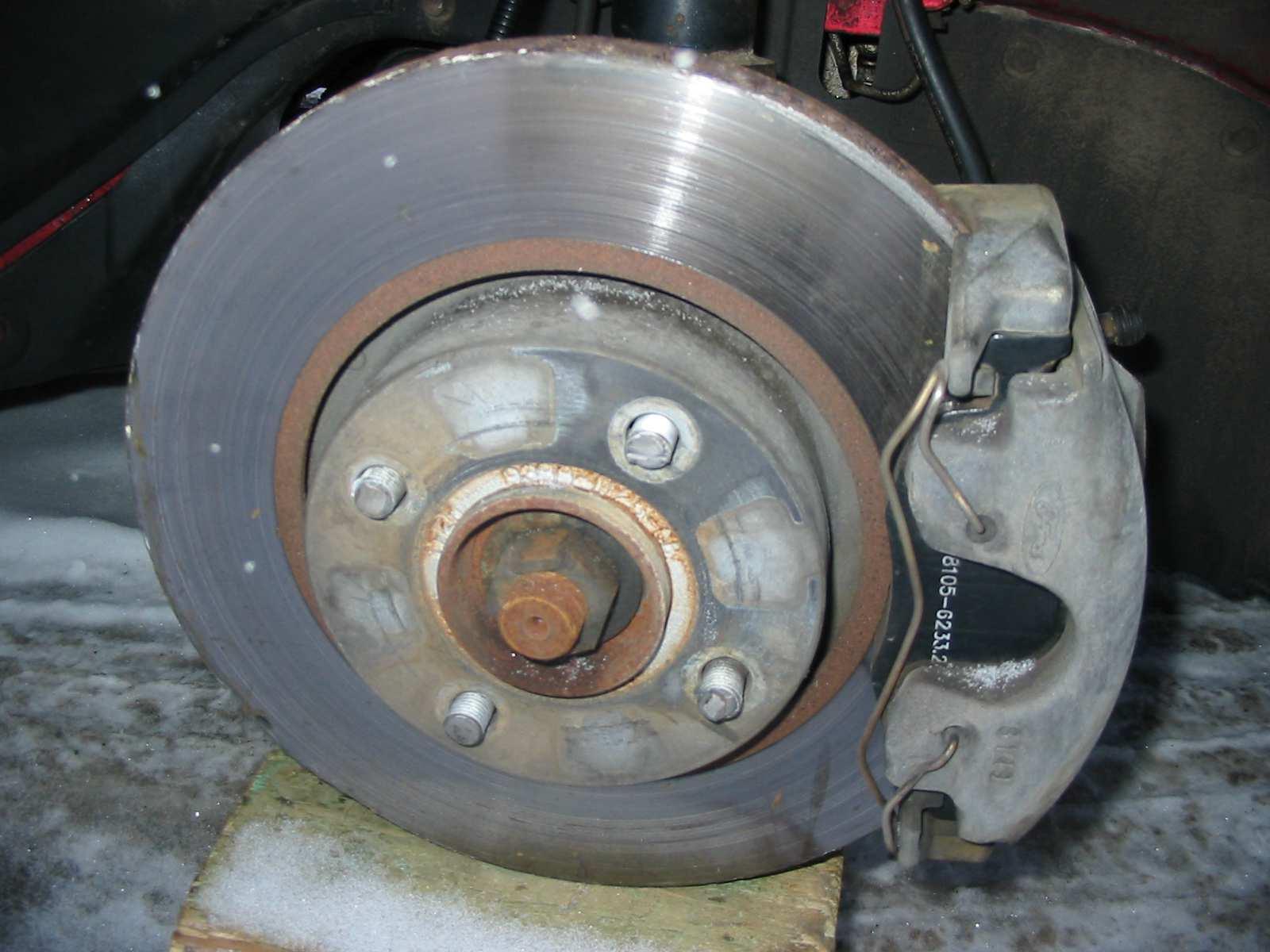 Broken wheel studs wheel fell off img_0447 jpg